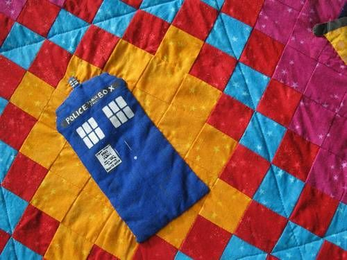 Is Doctor Who TARDIS Quilt Greatest Wedding Gift Ever? [PICS]