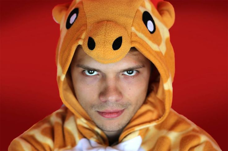 Andrew Ilnyckyj aka The Creepy Guy - BuzzFeedVideo