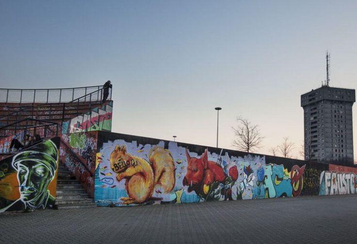Il quartiere più multietnico di Milano è al bivio tra degrado e miracolo: dopo gli operai e gli extracomunitari, arriva la terza migrazione: giovani creativi, galleristi, musicisti e designer. Che della zona stanno cambiando tutto. A partire dal nome