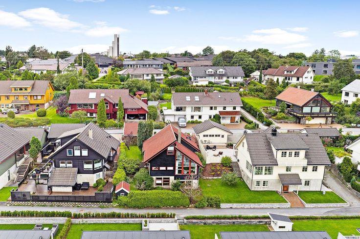 (2) FINN – SANDVED -Flott enebolig i et meget attraktivt boligområde - Nydelig utsikt og gode solforhold