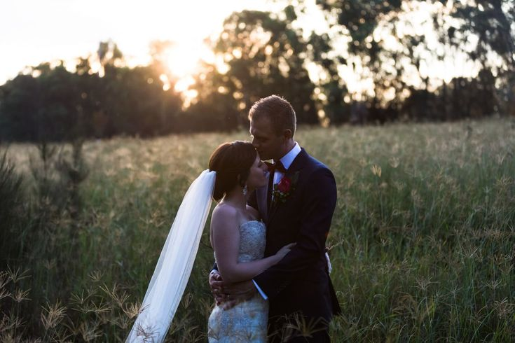 An adorable autumn wedding at St Patricks of Nulkaba and Circa 1876 with our relaxed Hunter Valley Wedding Photographer capturing the gorgeous warm sunlight.