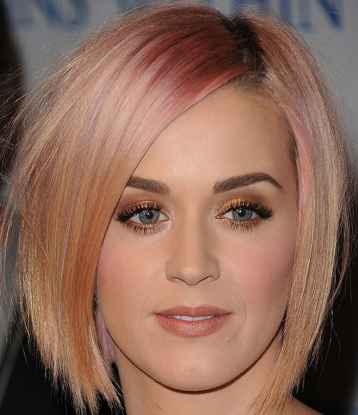 Katy Perry Layered Razor Cut - Layered Razor Cut Lookbook - StyleBistro