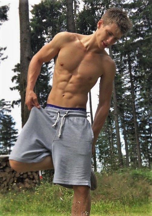 Twinks outdoors