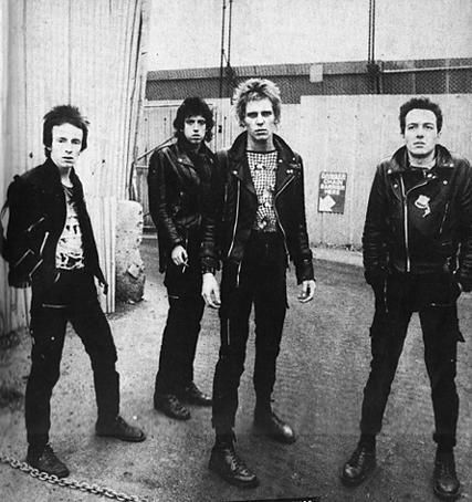 LOVE the punk style, hardly ANYONE dresses it now days.