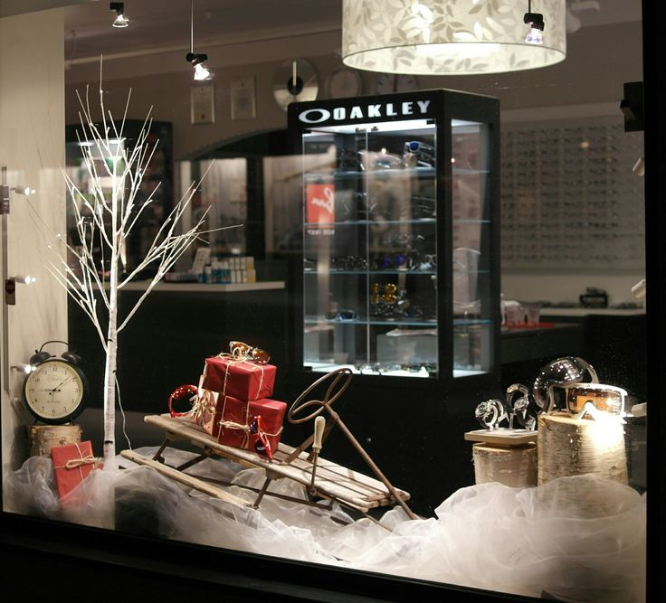 Christmas window display at Husby Ur & Optikk in Steinkjer, Norway. Visual merchandising.  Vindusutstilling.