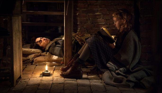 """Маркус Зузак «Книжный вор»  #goldenlib #МаркусЗузак""""Книжныйвор"""" #интеллектуальныйбесстселлер"""