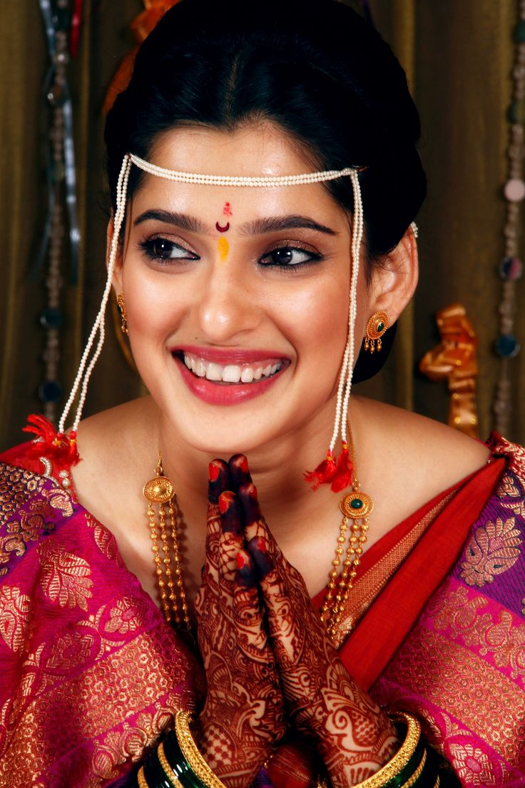 Love how simple her make up is...almost non existant...n yet shez glowing! ..now thats a bride!