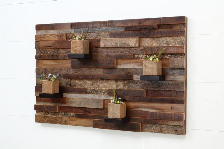 DIY : tableau en bois. Grâce à Imberty, réalisez le même tableau chez vous ! Imberty est une marque de décoration intérieure spécialiste du bois. Elle propose des briquettes de parements bois de 50 cm de long , disponibles en 2 épaisseurs et auto-adhésive. Laissez votre créativité faire le reste ! Ici, un tableau en bois a été réalisé. Puis quelques pots ont été ajouté pour une touche de verdure. #imberty #parement #bois