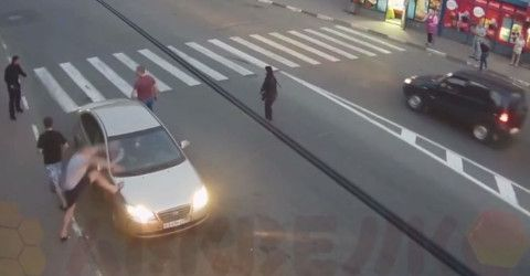 Drunk Russian road rage man acts like Terminator after being shot