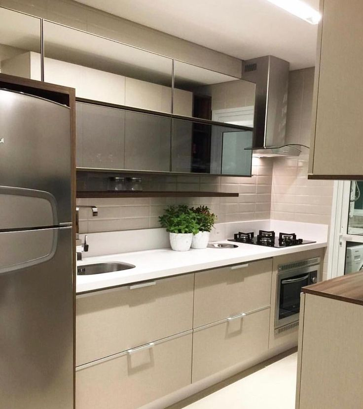 Cozinha compacta e clarinha. Amei! Via @maisdecor_ www.homeidea.com.br Face: /homeidea Pinterest: Home Idea #pontodecor #maisdecor #projetos #igers #arquitetura #ambiente #archdecor #homeidea #archdesign #projetos #tbt #home #homedecor #pontodecor #homedesign #photooftheday #love #interiordesign #interiores #cute #construcao #decoration #world #lovedecor #architecture #archlovers #inspiration #project #cozinha