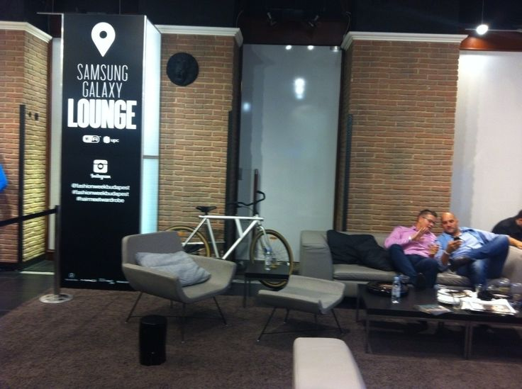 In collaboration with #fashionweekbudapest l furniture provided for the #loungearea at #Samsung Galaxy Lounge