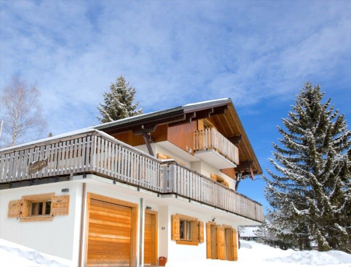 Family Ski Holidays France: Chalet 345 Les Gets