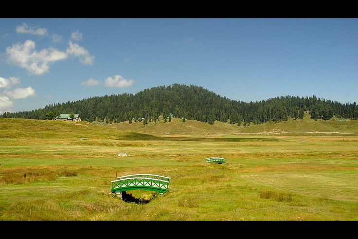 Things to Do in Kashmir:-Golf Course in Gulmarg