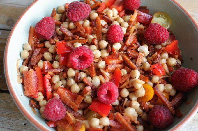 Salade met kikkererwten en frambozen - Francesca Kookt