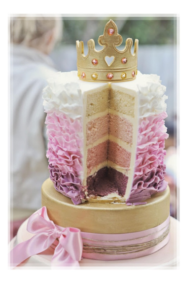 Love the inside of this cake! I think the outside would be beyond my talent though!
