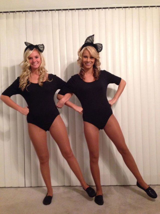 Best Best Friend Costumes Ideas On Pinterest Friend Costumes - 20 of the funniest costumes twin kids can wear at halloween