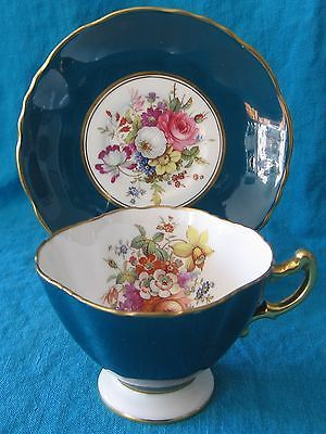 VINTAGE HAMMERSLEY GREEN & GOLD TRIM FLORAL BONE CHINA CUP & SAUCER - MINT COND.