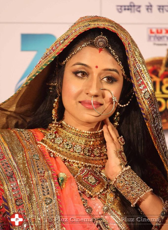 Jodha Akbar. Love the Embroidery & Gota Work