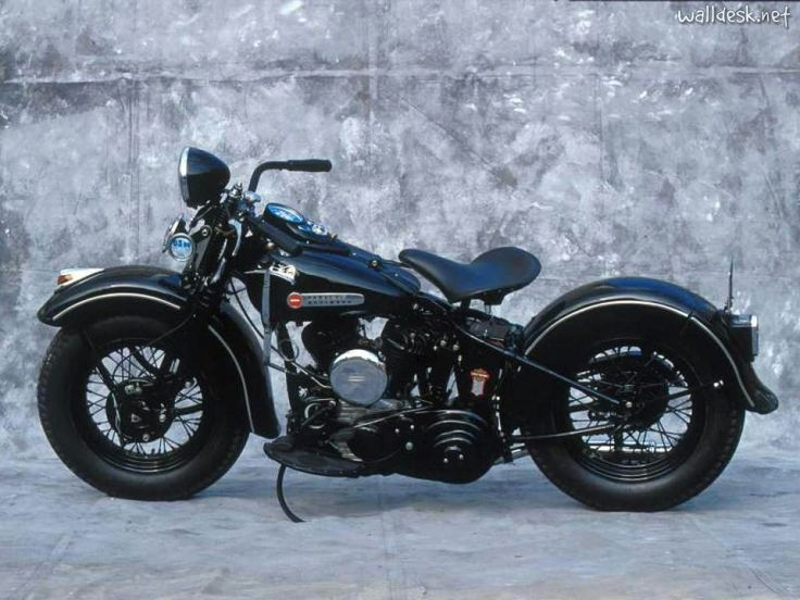Classic Harley Davidson 1945. I would love to be able to ride one of these, just once.