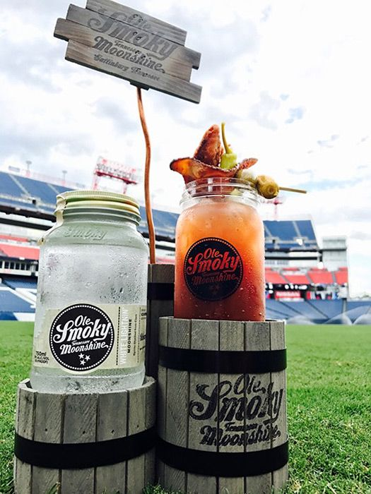 NISSAN STADIUM :OLE SMOKY BLOODY MARY | Best NFL Stadium Foods to Eat in 2017