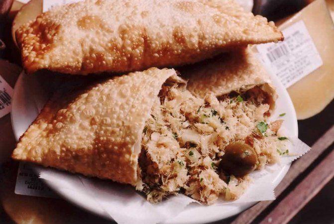 Hocca Bar: o mais famoso pastel de bacalhau do Mercadão