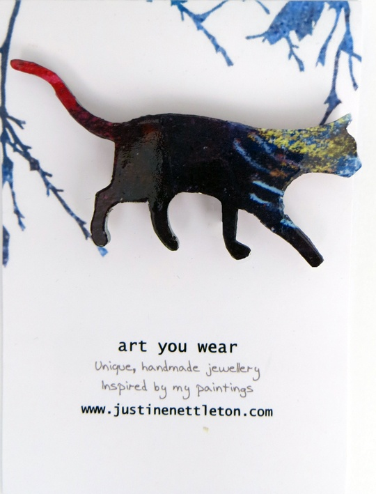 Cat Brooch. This cat dreams of his night time adventures.