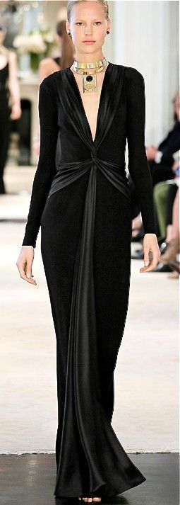 Ralph Lauren: this natural waistline and body fitting cut looks like it came straight out of the 30s and Madeleine Vionnets bias cut.