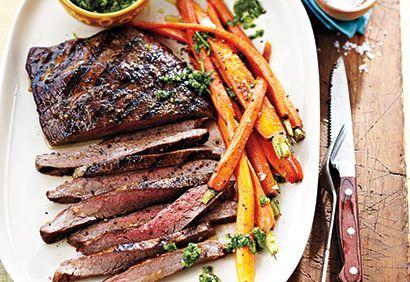 Bifteck de flanc et carottes grillés, sauce chimichurri