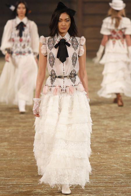 A coleção Métiers d'Art, do pré-inverno 2014 da Chanel