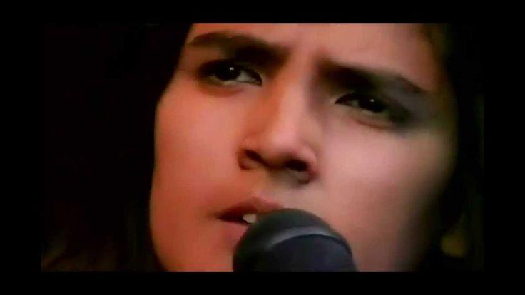 Tanita  Tikaram  --   Twist  In  My  Sobriety  [[  Official  Live  Video...
