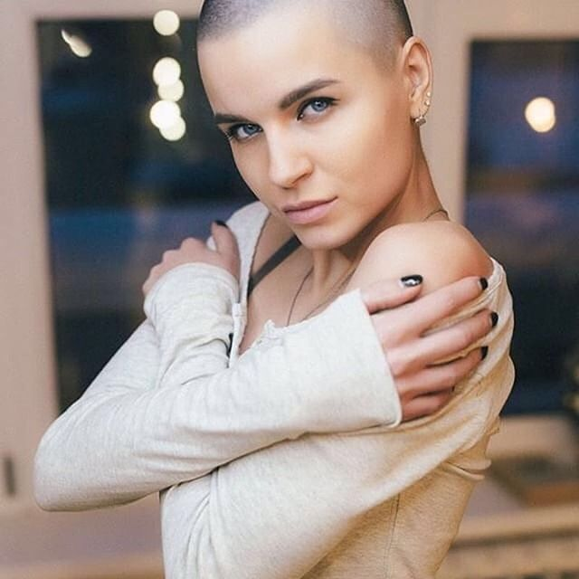 #shavedheadedbabes #headshave #baldgirl #girlswithbuzzcuts #buzzedbeauty #buzzcut #buzzedgirls #baldgirl #baldwoman #nohair #nohairdontcare #shavedheadgirl #shavedheadedbabes #shavedhead #haircut #crewcuts #baldisbeautiful #buzz#bald#clippers#clippercut#headshaving #shorthair #shorthairdontcare #shorthairstyles #glatze #rapada #pelocorto #undercut#shave #baldbeauty