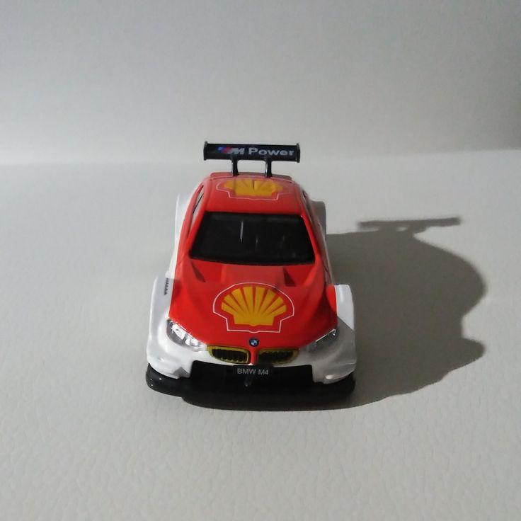 Miniatura samochodu wyścigowego BMW M4 / Miniature of the race car BMW M4