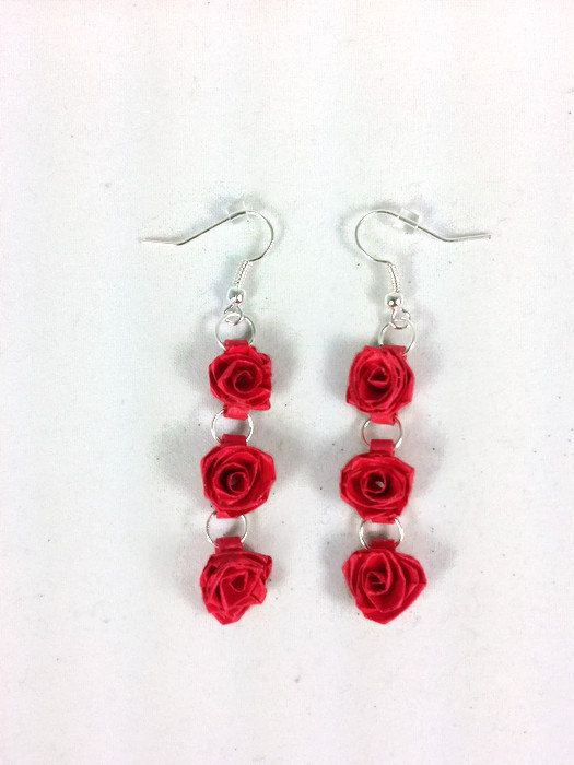Hey, I found this really awesome Etsy listing at https://www.etsy.com/listing/218629607/red-roses-paper-quilled-earrings-paper