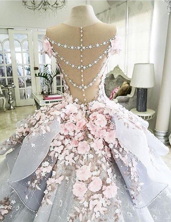 Grand wedding dress