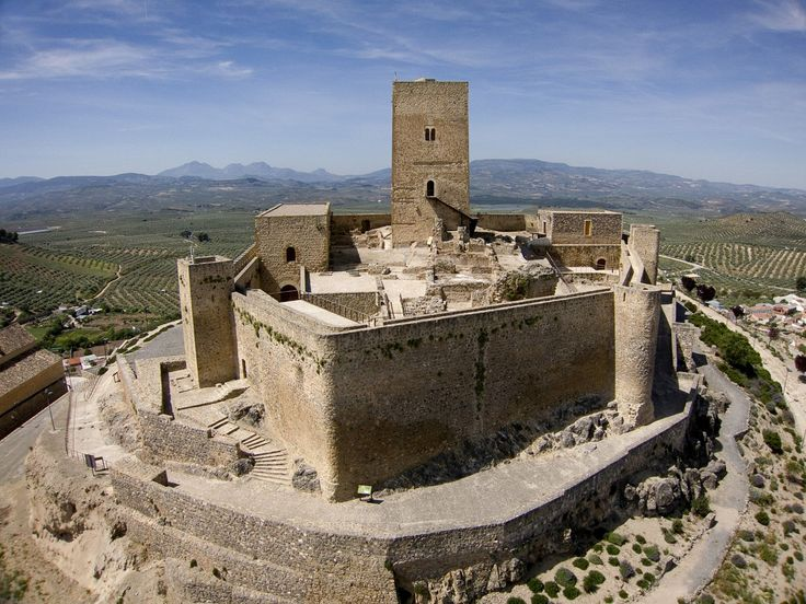 CASTLES OF SPAIN - Castillo de Alcaudete .The Castle of Alcaudete is a castle in the province of Jaén, Spain. The castle was built by the Arabs and taken by the Christians in 1085 during the reign of Alfonso VI. For almost three hundred years thereafter, the castle changing hands until 1340 when the Christians took it over.