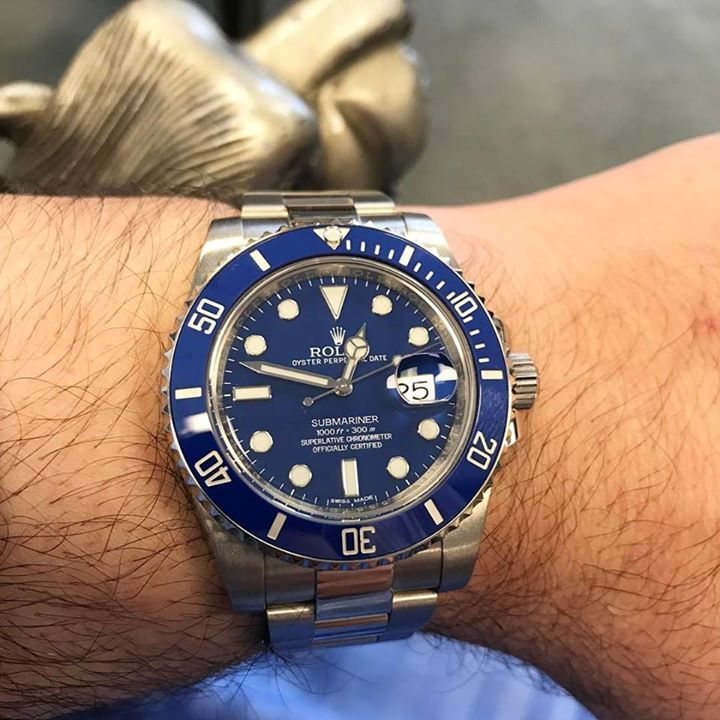 You know when you see this submariner it's special! 👌🏼 #Rolex #Submariner #petfabs #petfabswatches #leatherwatch #blackwatch #elegantwatch #classywatch #gold #rosegold #wearblack #leatherstraps #steelmesh #chronograph #sportswatch #chronographwatch #necklace #jewelries #sleekmen #mensaccessories #clutchwallet #watch #watches #menswatch #menswatches #freedelivery #anchorbracelets #bracelets #petfabs #outfit #elegant #classy #businesswatch