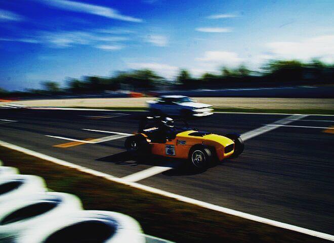 Sunday the perfect day for the driving fans around the world for doing what they love: Trackdays!  Domingo el día perfecto para que los fans del volante puedan hacer lo que más les gusta: Tandas!  #thedrivetastic #drivetastic #spiriteddrive #track #trackready #trackdriving #drive #driving #trackday #tanda #montmelo #circuitdecatalunya #tandes #lovedriving #caterham #seven #lotus #lotusseven #porsche #bmwm3 #subaru #evo #speedcar #ferrari #porsche911