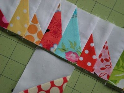 Love this spiked borders.  Great instructions.   Molly Flanders: A Tutorial - Spike Border