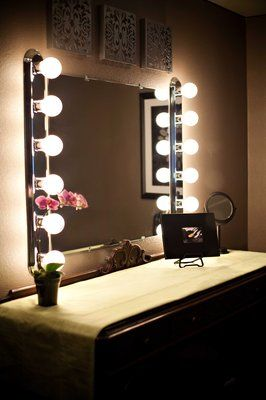 Old make-up mirror, love it! This is old Hollywood style, the lighting would be awesome!!!!!