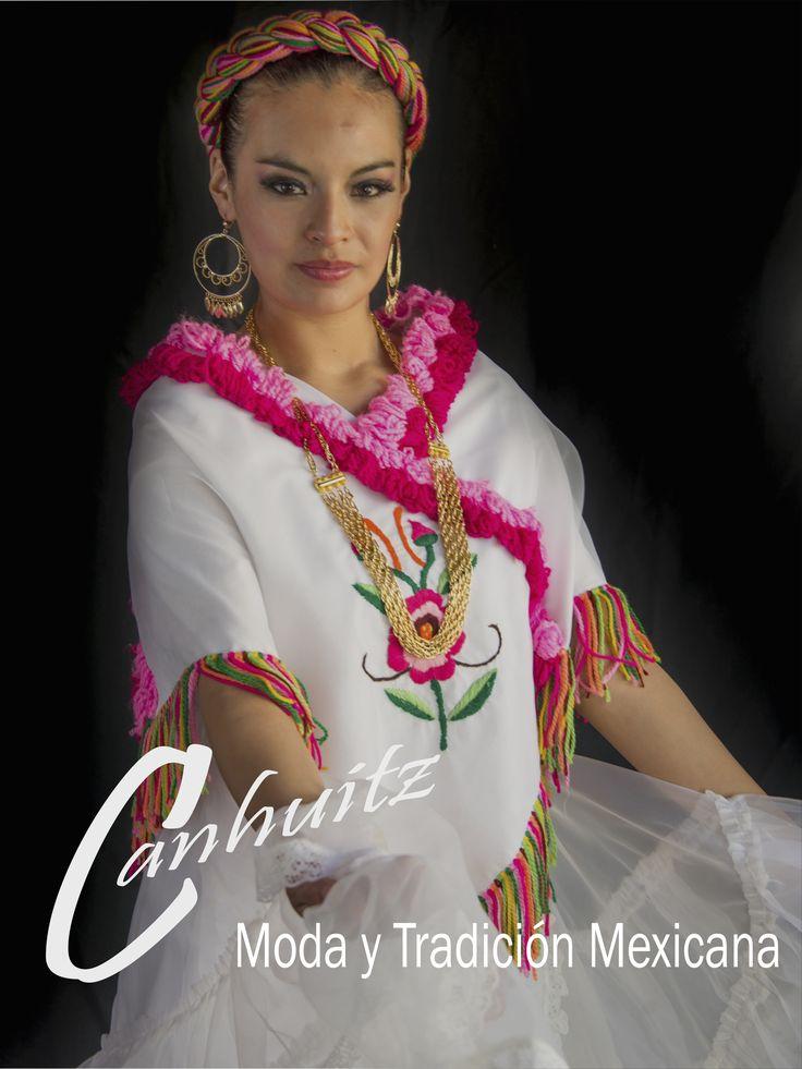 """Traje de Huapango Veracruzano Perteneciente al estado de Veracruz Regíon de la Huasteca   Este vestuario es denominado como """"Huasteco Veracruzano"""", es utilizado en la región del Pánuco y en general en toda la huasteca veracruzana. Algunas de las melodías tradicionales que se bailan con este traje son: """"La Presumida"""", """"El Caimán"""", """"El Caballito"""", """"La Huasanga"""", """"El Querreque"""", entre otros..."""