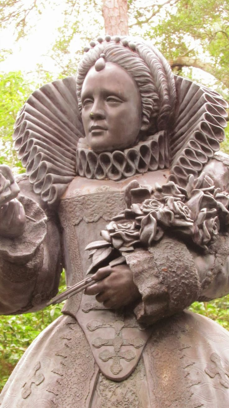Sampler Girl blog Statue of Elizabeth I
