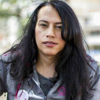 Las transexuales en Colombia no celebran el día del orgullo LGTBI. En el último año, 27 mujeres trans fueron asesinadas. La policía es uno de sus principales agresores. Sally Palomino   El País, 2017-06-29 http://internacional.elpais.com/internacional/2017/06/28/colombia/1498681093_949990.html