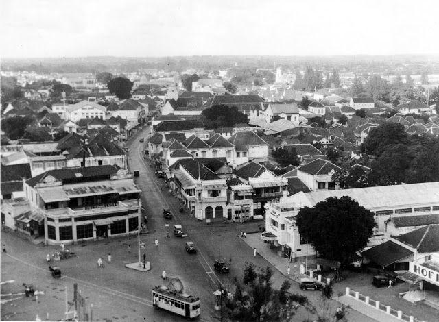 Pertigaan Jl Kramat Gantung