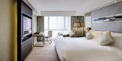 ✔ Giá từ: 4,059,000 VNĐ __________  ★ Số sao: 5 _____________________  ☚ Vị trí: Mody Road, Tsim Sha Tsui  __  ❖ Tên khách sạn: The Royal Garden _ ∞ Link khách sạn: http://www.ivivu.com/vi/hotels/the-royal-garden-W40176/  ∞ Danh sách khách sạn ở Kowloon: http://www.ivivu.com/vi/hotels/chau-a/hong-kong/kowloon/all/995/