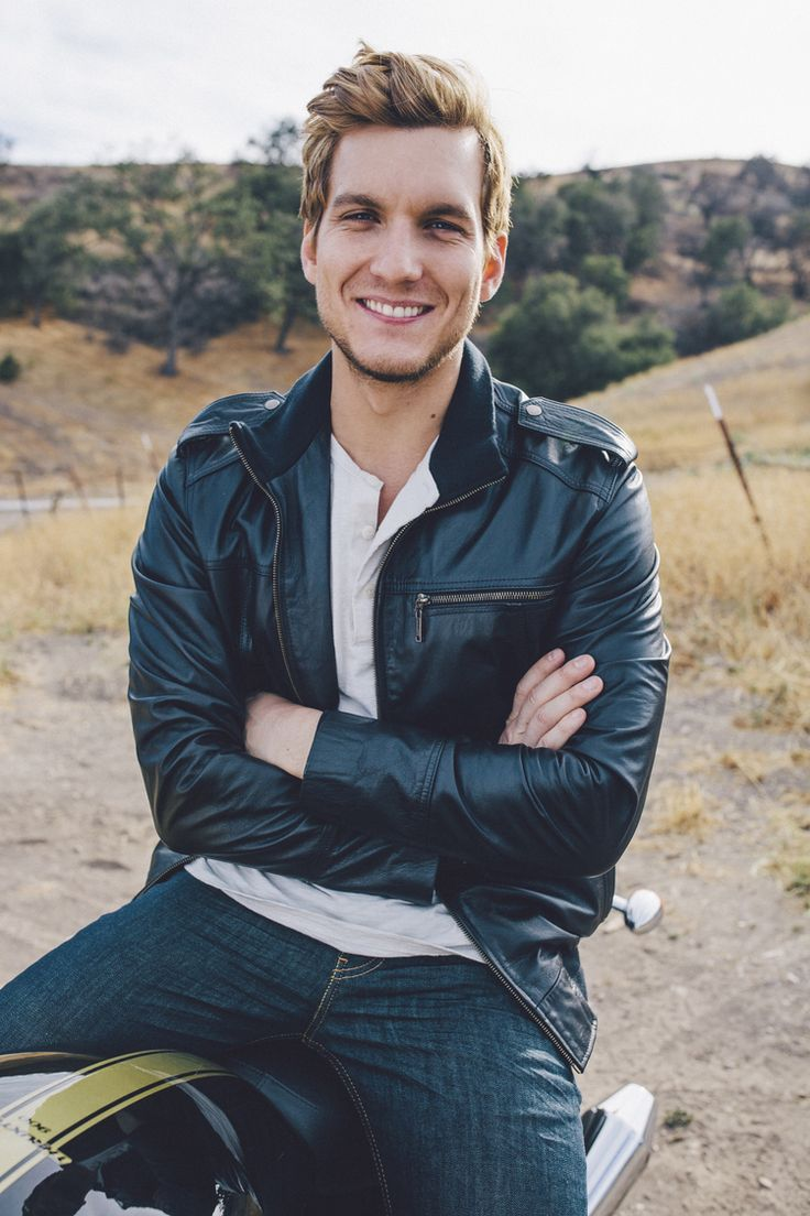 Scott Michael Foster...I'll take one of him please :)