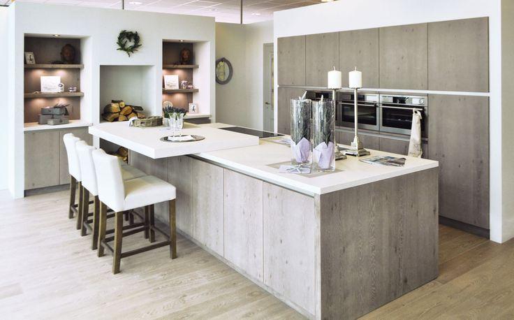 25 beste idee n over muren van de keuken op pinterest keuken kleuren lambrisering verbouwen - Lichtgrijze gang ...