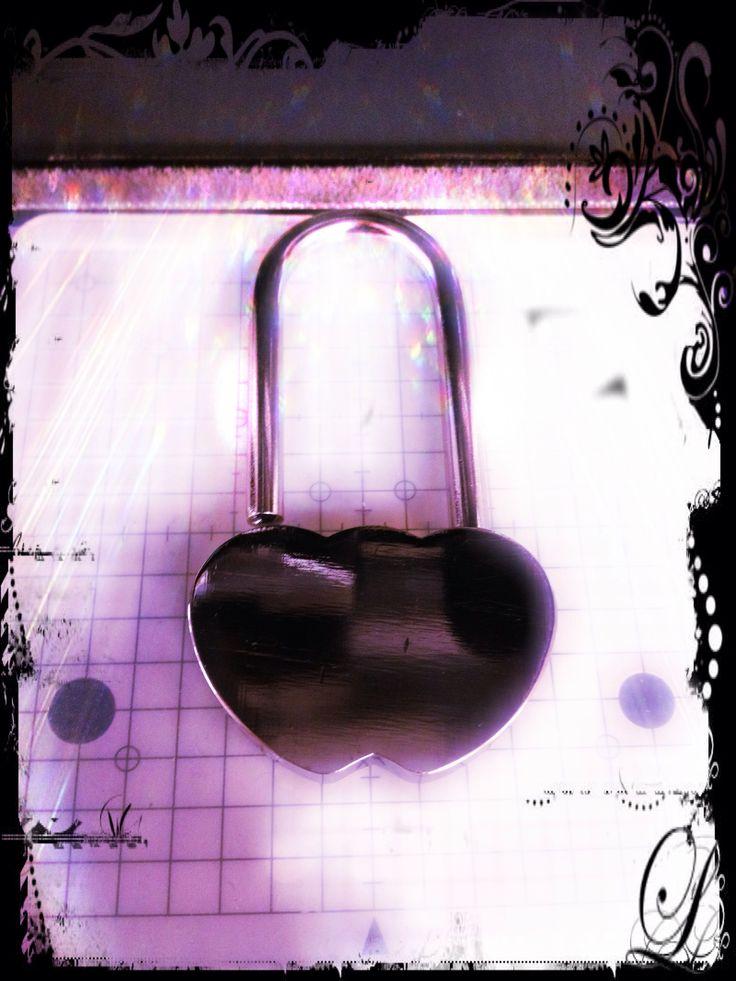 Love locks. Kaiverramme rakkauslukot
