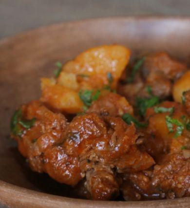 Que tal aprender a fazer carne de panela deliciosa e com gostinho caseiro?