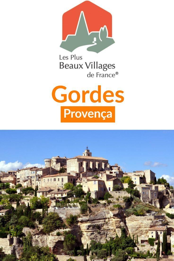#Gordes na #Provença, uma das mais belas vilas da #França