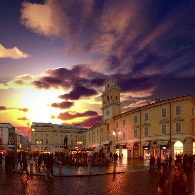 Tramonto Parmense in Piazza Garibaldi - Instagram by piero_maltese